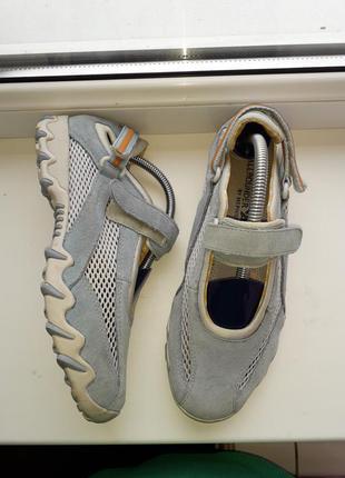 Летние кожаные кроссовки на липучках mephisto
