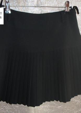 Продам юбку, цвет  черный, дл.39 см., от – 66 см. цена 300 руб.  продам  жилет новый цена 200 руб
