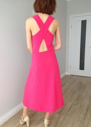 Эффектное платье для высокой девушки
