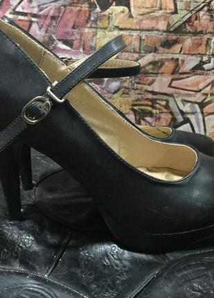 Туфли экокожа на среднем каблуке черные размер 40