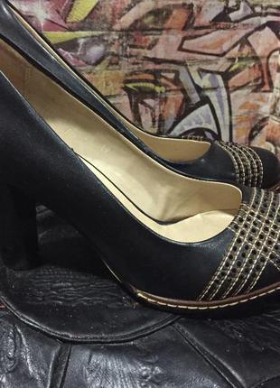 Туфли на среднем каблуке устойчивом размер 36
