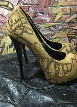 Туфли на высоком каблуке каблуке в стразах замшевые размер 37