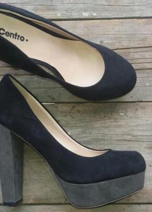 Туфли на устойчивом высоком каблуке замшевые черные