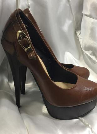 Туфли на высоком каблуке и платформе экокожа размер 35