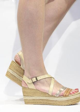 ... Шикарні шкіряні босоніжки arlee mod 7852f1680beaf