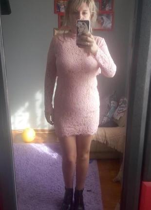 Нежное кружевное платье открытая спина