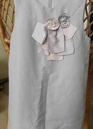 Нарядное шелковое платье для девочки.