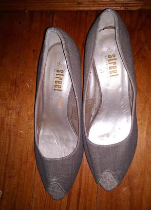 Туфли на среднем каблуке ///много интересного///