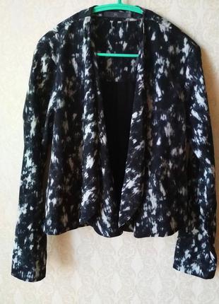 Пиджак-косуха с косыми отворотами