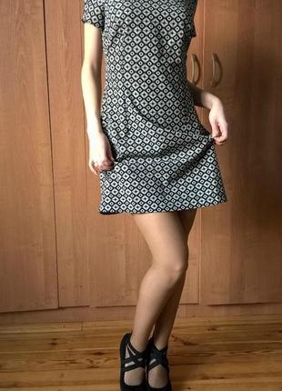 Легкое женское платье в ромбик. короткое платье.