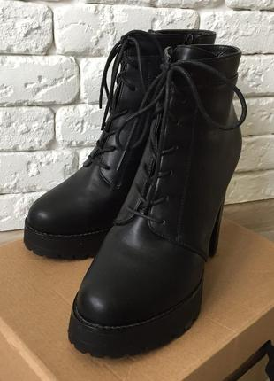 Ботинки деми на каблуке