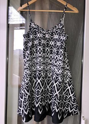 Новое легкое платье на бретелях qed london