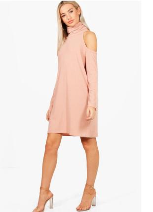 Платье с открытыми плечами в рубчик boohoo