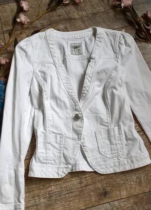 Белая джинсовая куртка/жакет от esprit р.36(s-m)
