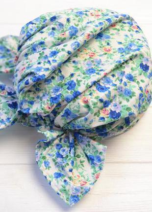 Бандана на резинке косынка кремовая с синими цветочками в наличии