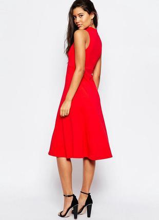 Красивое красное нарядное миди платье от asos без рукавов ниже колен размер l
