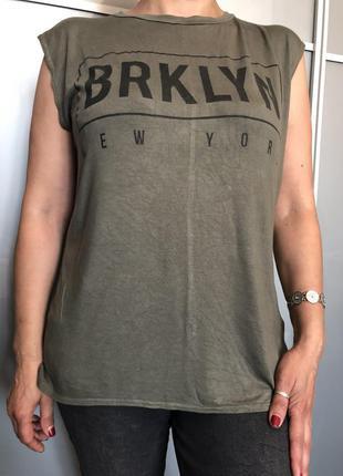 Стильная футболка из вискозы