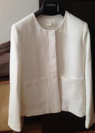 Новый пиджак h&m молочного цвета