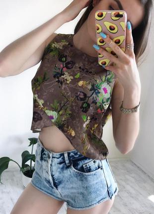 Блуза майка стильний принт та крій яскрава блуза m -l женская одежда украина