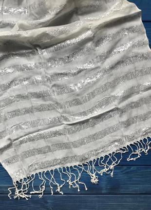 Нежный шарф платок
