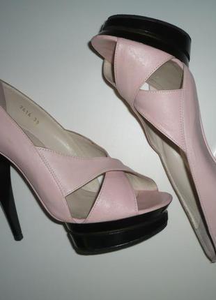 Босоножки, туфли нежно розовый цвет