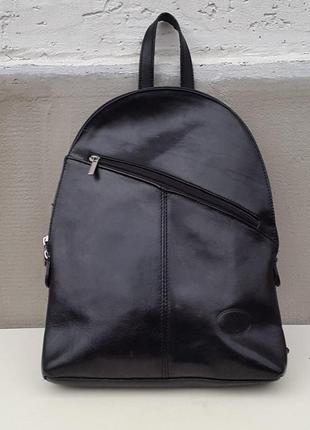 Классный кожаный рюкзак simona ferri. италия Simona Ferri, цена ... ddba5c3c247
