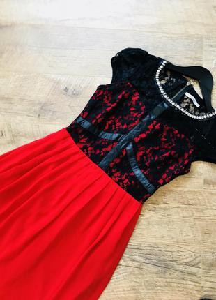 Розкішна сукня