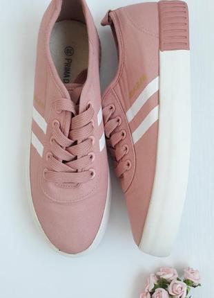 Нежные розовые кеды, кроссовки