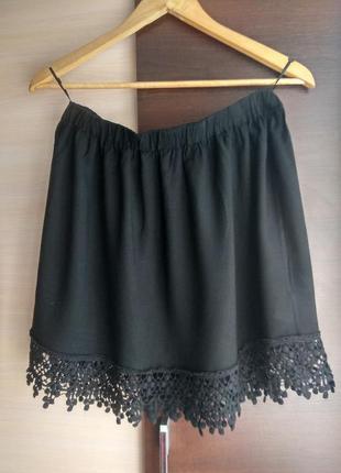 Черная стильная легкая юбочка с кружевом бахромой