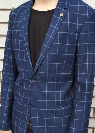 Фирменный пиджак