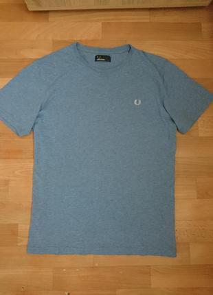 Мужская светло синяя футболка fred perry