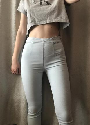 Голубые новые джинсы с высокой посадкой pull&bear