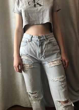 Винтажные джинсы с высокой посадкой pull&bear