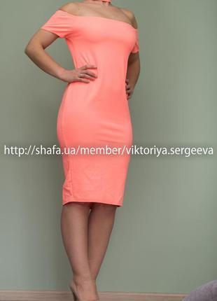 Большой выбор платьев - актуальное стильное платье миди с чокером для пышной дамы