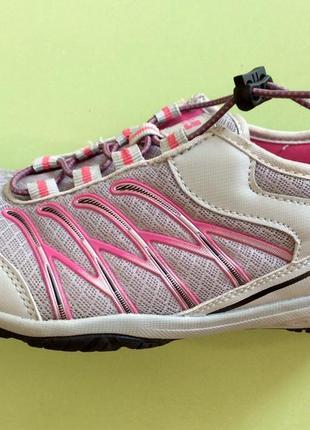 Легкие дышащие кросовки