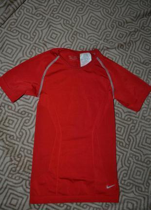 Термо футболка мальчику nike на 5-6 лет оригинал