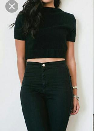 Чёрные джинсы с высокой талией посадкой