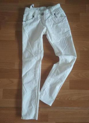 Крутые джинсы на девочку