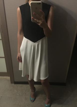 Платье zara летящее элегантное