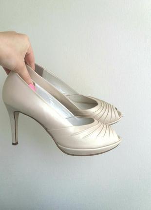 Свадебные кожанные туфли на каблуке с открытым носом айвори, молочный, нюдовый 39