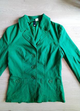 Зеленый пиджак divided h&m