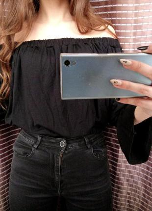 ▪ новая черная кофта на плечи missguided