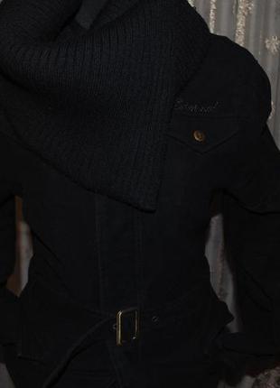 Недорого!джинсовая стильная джинсовая куртка с вязаным воротником