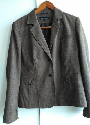 Классический пиджак в клетку  от известной  шведской торговой марки ellos