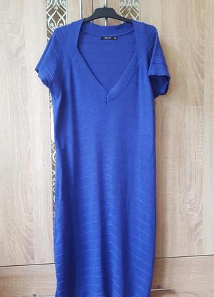 Синее миди платье в бандажном стиле