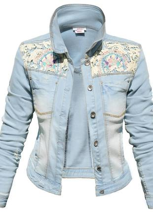 Женская джинсовая куртка с ажурними вставками