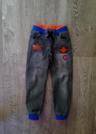 Супер стильные джинсы. 7-8 лет. германия.
