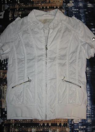 Легкая курточка stradivarius basic