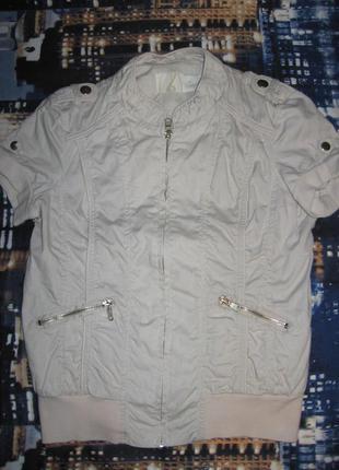 Легкая курточка stradivarius
