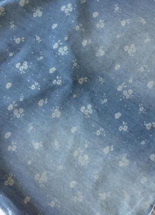 Стильное джинсовое платье в цветочек р.1043